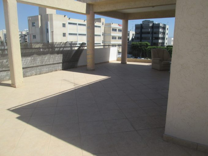 Spacious 3 bedroom apartment with 106mtrs verandas
