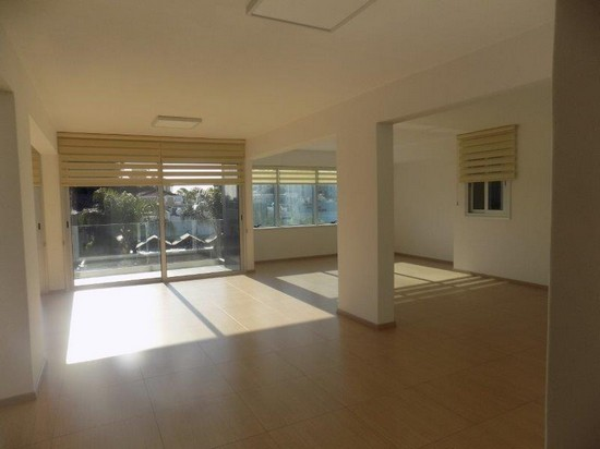 Brand new office 184mrs Sea Front with Raised Floors