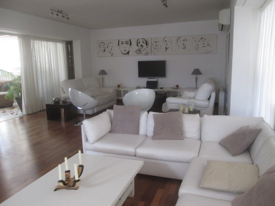 Spacious and Mondern 3 Bedroom Penthouse with Huge Roof Garden