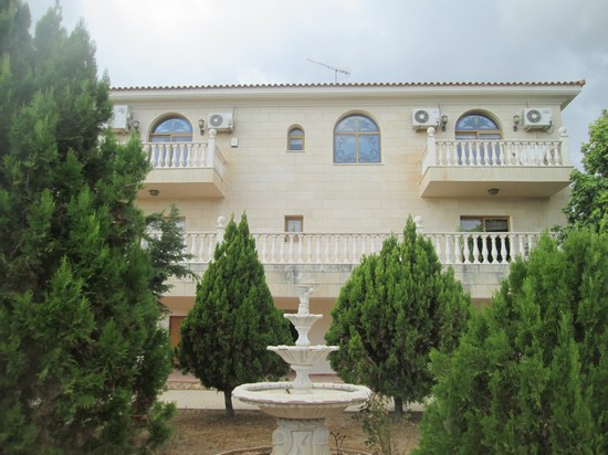 Grand 5 Bedroom Villa for Sale in Ayios Athanasios with Amazing Gardens and Seaview