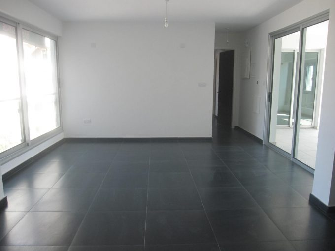 Spacious 2 Bedroom Apartment City Center
