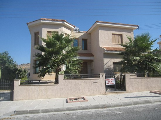5 Bedroom Detached Villa in Palodia (Near the Heritage Private School)