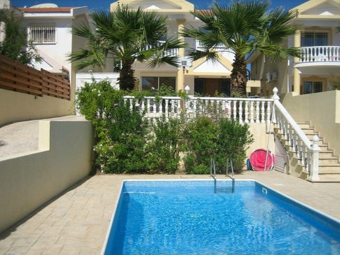 4 Bedroom Detached Furnished with Pool near the Sea