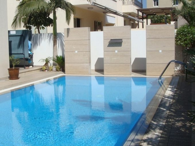 Luxury Quality 5 Bedroom Villa with Pool