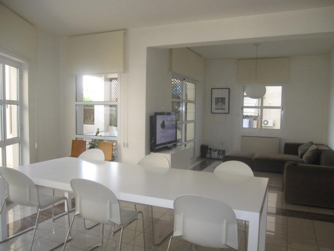 Huge 3 Bedroom Apartment in Kapsalos