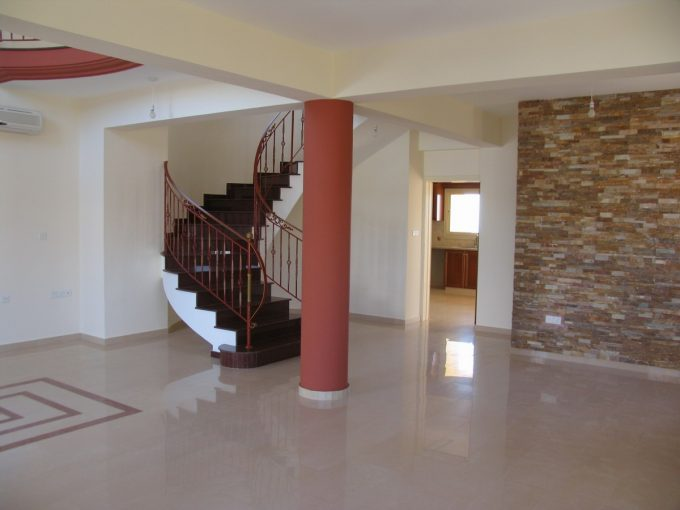 4 Bedroom Detached House Agios Athanasios