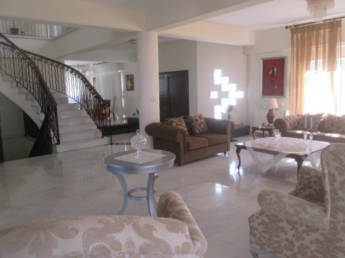 6 Bedroom Villa in Agia Phyla