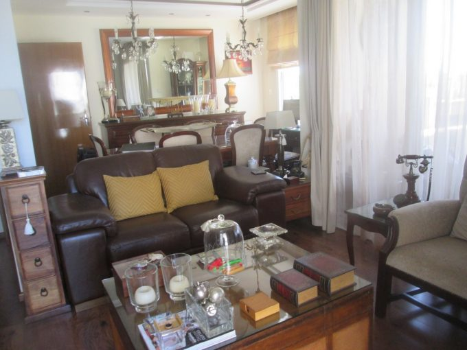2 Bedroom Renovated Upper Floor in Neapolis with BBQ area