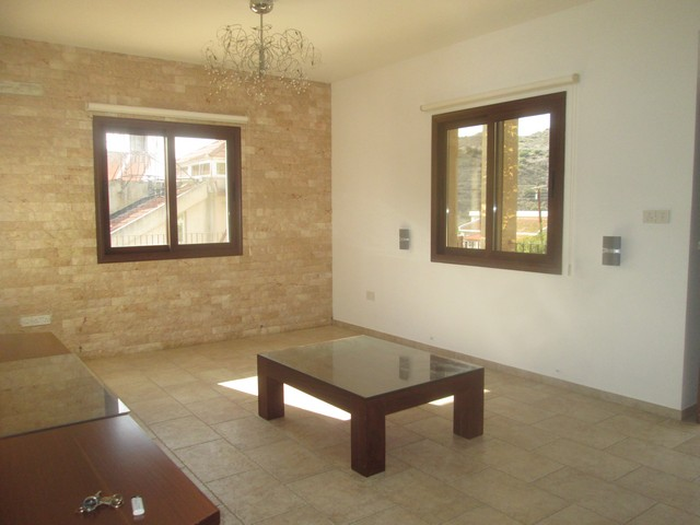 Beautiful 4 Bedroom House for Rent in Apsiou with Electrical appliances