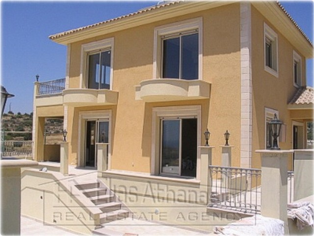 4 Bedroom House with Pool in Agios Tychonas just five minutes walk to the Sea