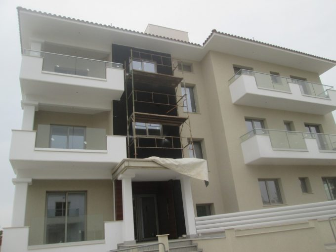 2 Bedroom Ground Floor Apartment with Garden