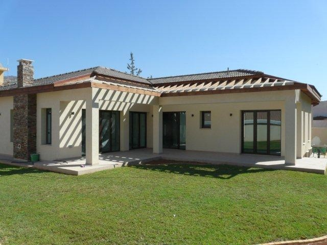 3 Bedroom Bungalow in Finikaria