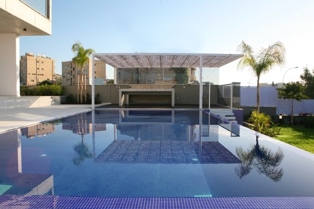 5 Bedroom Luxury Seafront Villa with Indoor and Outdoor Pool