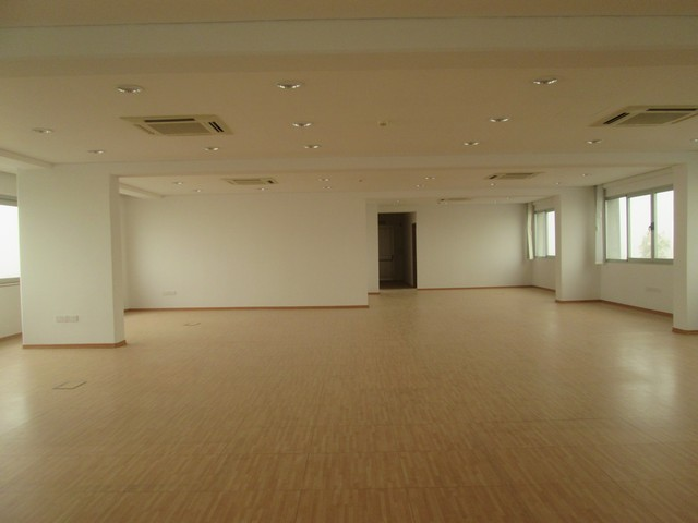 Luxury Offices 340mtrs with Raised Floor and much more..