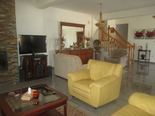 4 Bedroom House Furnished Just a Few Minutes walk to the Grammar School
