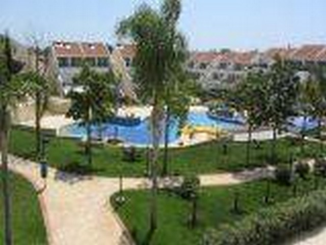 2 Bedroom Apartment Furnished in Complex with Communal Pool by the Sea