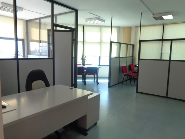 Office 550mtrs Near New Port