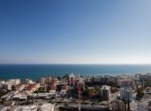 Huge 4 Bedroom Penthouse in High Rise Building Minutes from the Sea