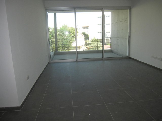 Modern 2 Bedroom Apartment Unfurnished in City