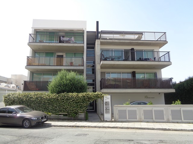 Modern 2 Bedroom Apartment with Roof Garden with Jacuzzi