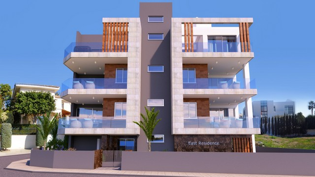 3 Bedroom Apartment just 700mtrs from the sea