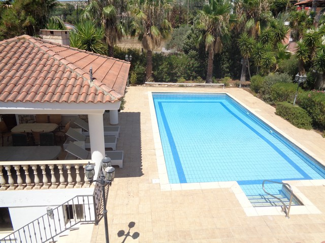 Villa 4 Bedroom plus 1 with Pool in Pyrgos on Land with Fruit Trees