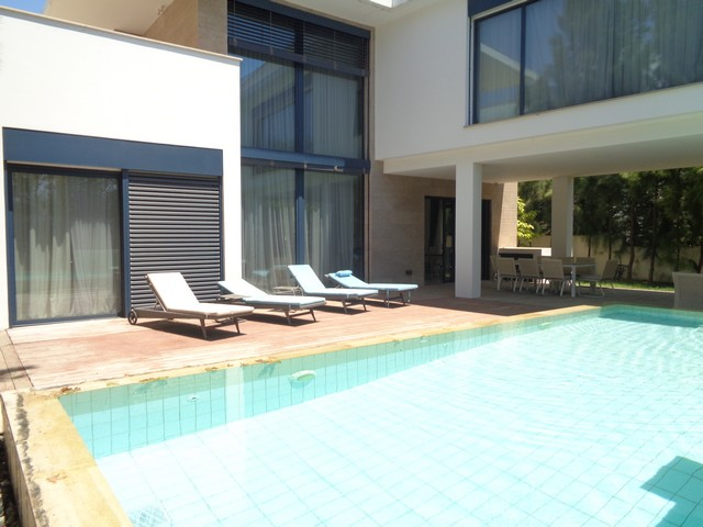 Luxurious and Modern 4 Bedroom Villa Furnished with own Pool