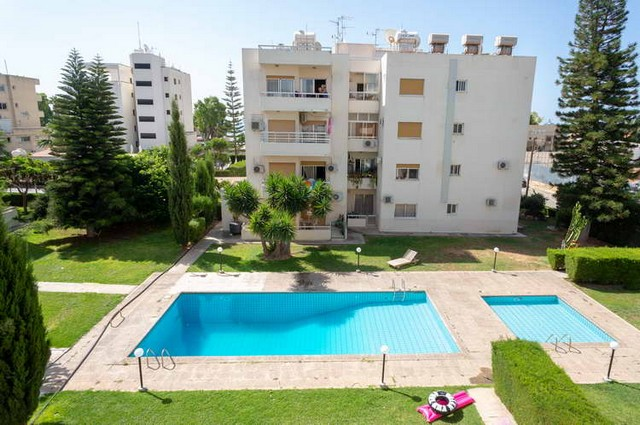2 Bedroom Apartment just Across the Sea in Quiet Area with Communal Pool