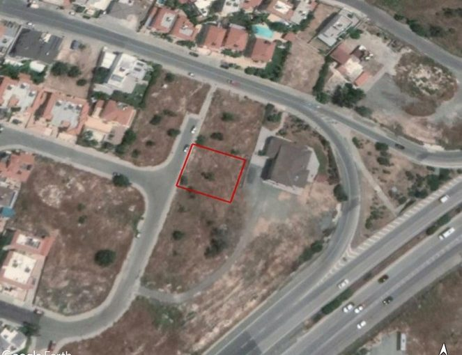 Plot in Ypsonas With easy access to the Highway