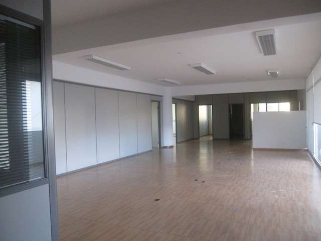 300 M2 Office Partitioned in Commercial Building