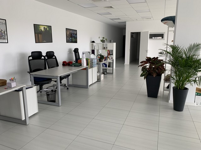 Luxury Office in Prime Location 143sqm plus large veranda