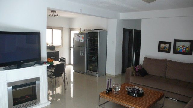 living area kitchen