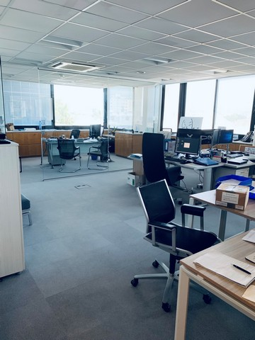 Impressive office 410m2 separated with facilities