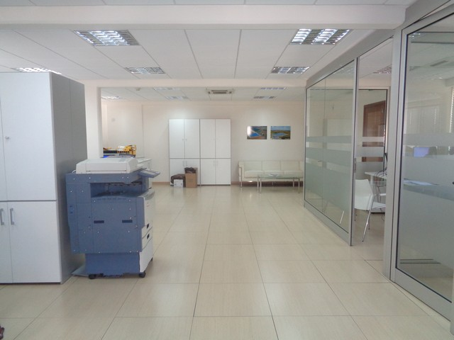 Modern Office 150mtrs with Raised Floors