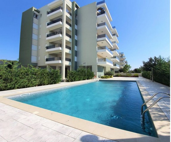Luxury Three Bedroom Apartment in Gated Complex across the Beachfront
