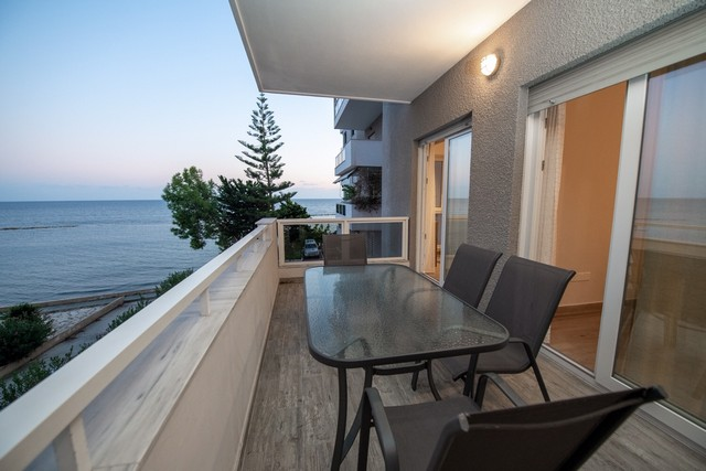 Two Bedroom Apartment in Complex on the first line of the Beach