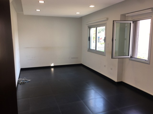 138mtrs Office for Rent