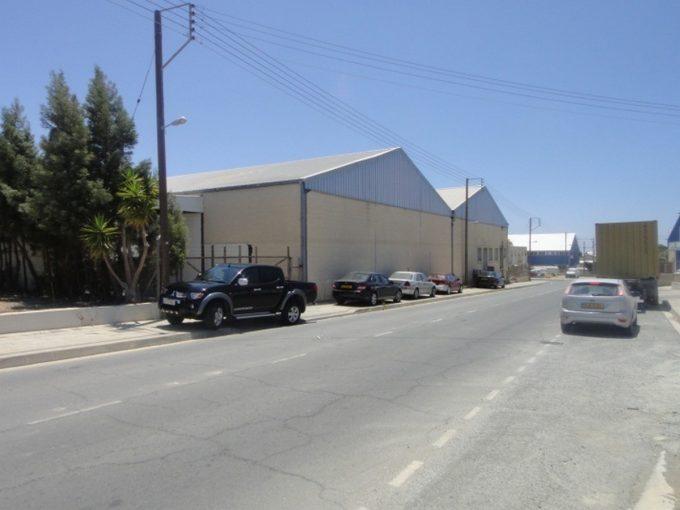 Warehouse 2400mtrs Ay Silas