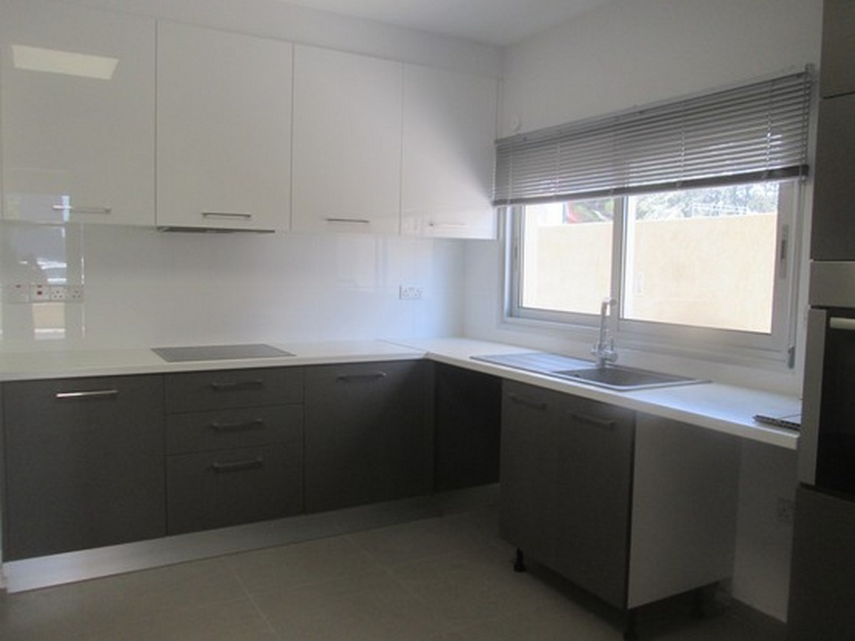 3 Bedroom Duplex Fully Renovated on the Beach Side