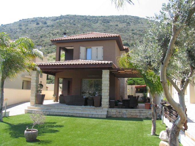 Detached 3 Bedroom House with amazing views in Germasoyia