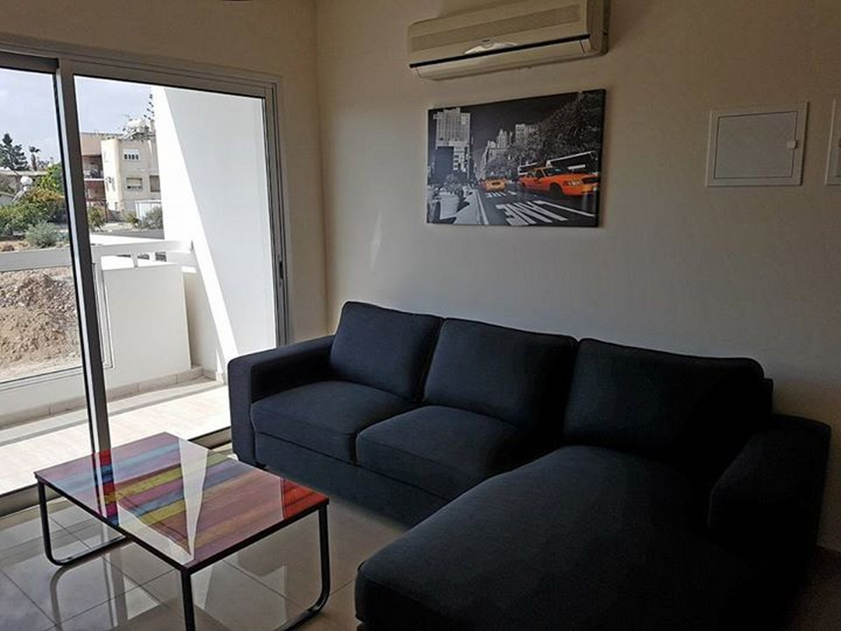 2 Bedroom Apartment Furnished in Tourist Area 100mtrs from the Sea