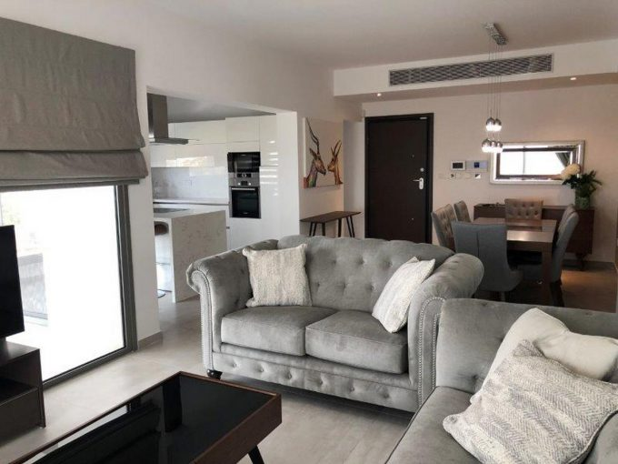 Whole Floor Apartment Just 750mtrs from the Sea