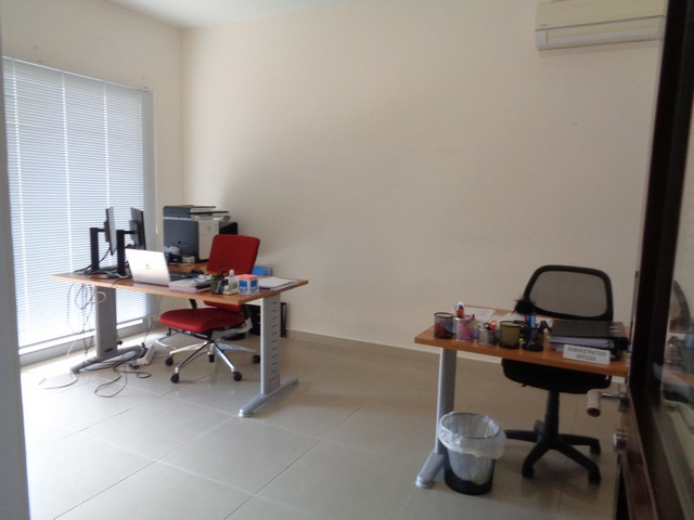 Office 90m2 in Commercial Building