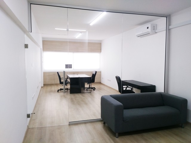 Serviced Office 30m2 All inclusive Molos