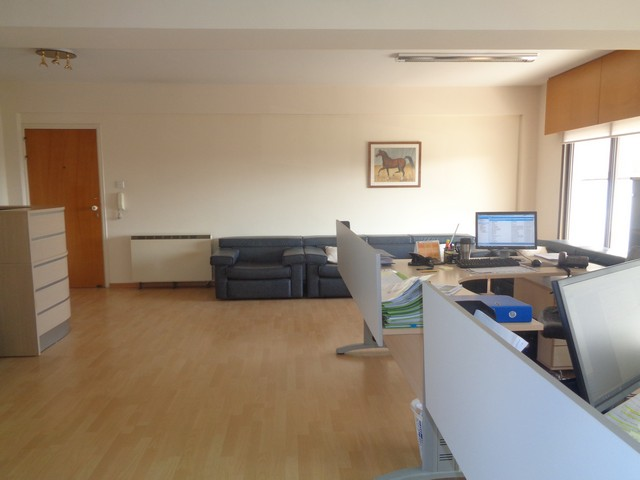 Three Bedroom Spacious Apartment – Ideal for Office