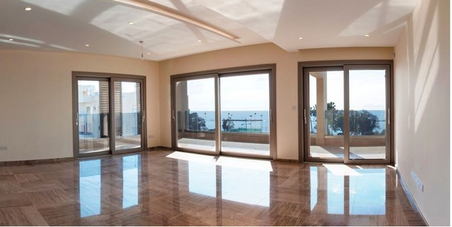 3 Bedroom Apartment Opposite the Sea with Amazing Sea Views
