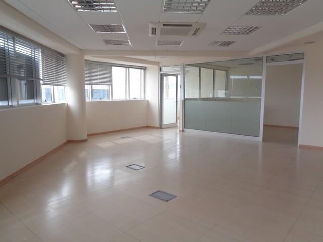 Modern Offices 175m2 with Raised Floors