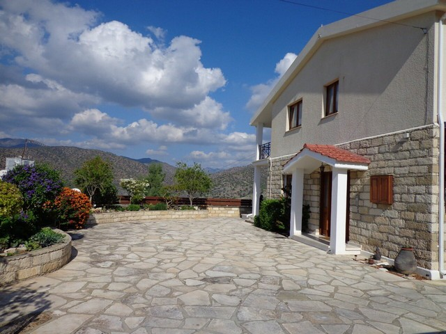 Beutifull House in Foinikaria