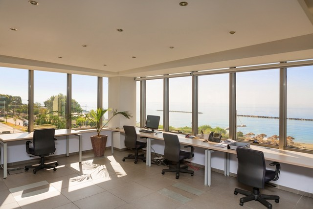 Luxury Sea Front Offices high Tech 472m2