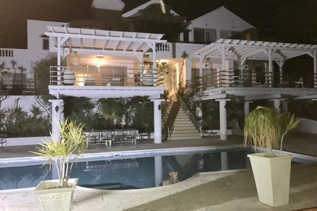 Luxury 6 Bedroom Villa for Rent with Pool